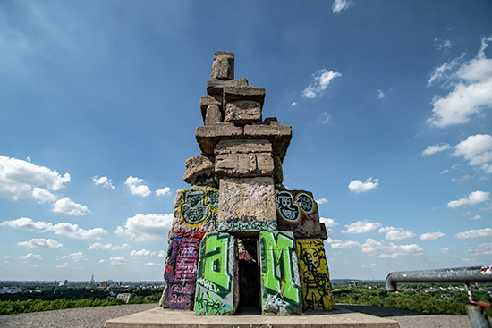 Das Stonehenge des Ruhrgebiets: die Himmelstreppe auf Halde Rheinelbe.